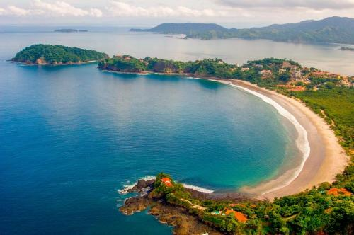 potrero-beach-surf-in-costa-rica